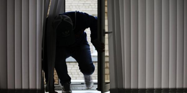 В Кременчуге неизвестные «зачистили» офис и два дома