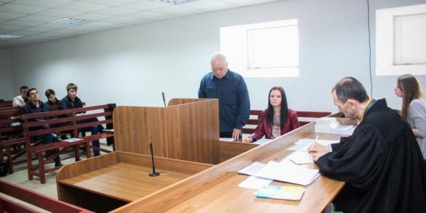 Малецкий не явился в суд к Медведовскому