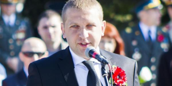 Малецкий оправдывается за сокращение Медведовского