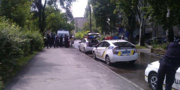 В Кременчуге возле 20-й школы подрезали мужчину