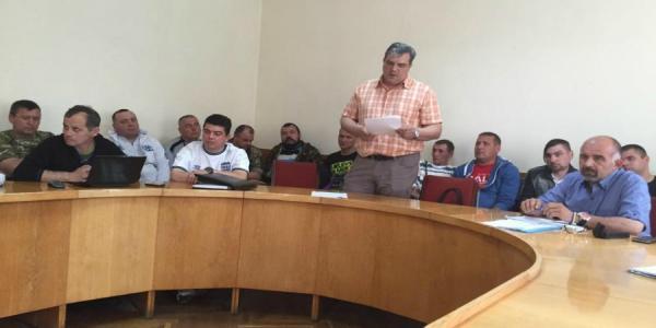 Кременчужане - участники АТО требуют уволить начальника городского отдела транспорта Ивашину