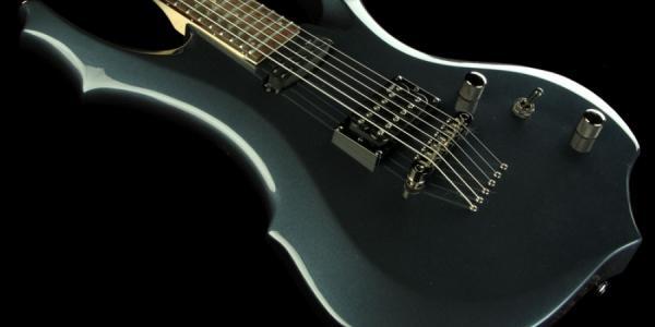 У кременчугского журналиста украли гитару
