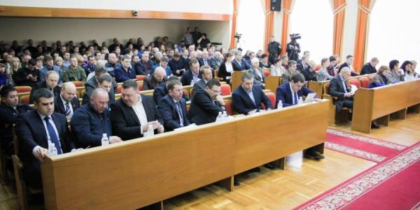 Депутаты настойчиво приглашают на сессию нардепа Шаповалова