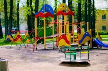До конца лета в Кременчуге установят 5 детских площадок