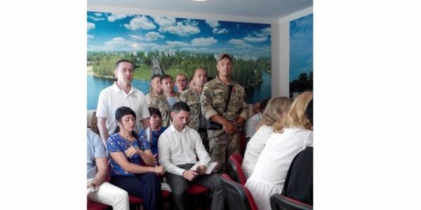 Кременчугский «АТО-Майдан» требует забрать у Звонковой ресторан и запретить строить собор московскому патриархату