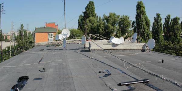 Крыши текут, работы идут, а планы - строятся