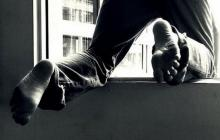 В Кременчуге мужчина выпал с третьего этажа