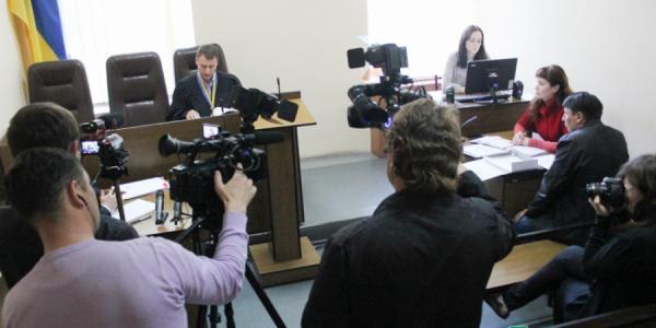 Суд постановил раскрыть псевдоним автора скандальных материалов в «АVтографе» и «БредТудее»