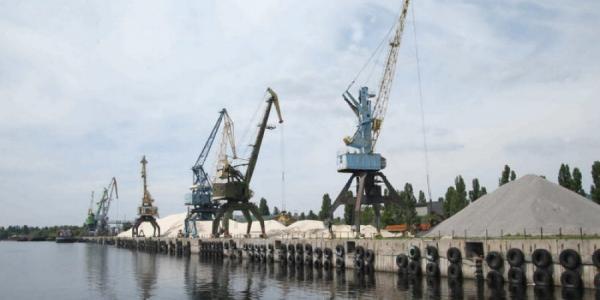 Кременчугский речпорт незаконно добывает песок – начальник «Полтаварибохорона»