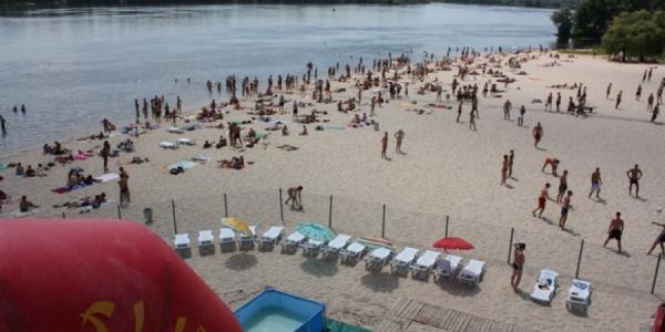 В Кременчуге уровень загрязнения воды на Центральном пляже «выше крыши»