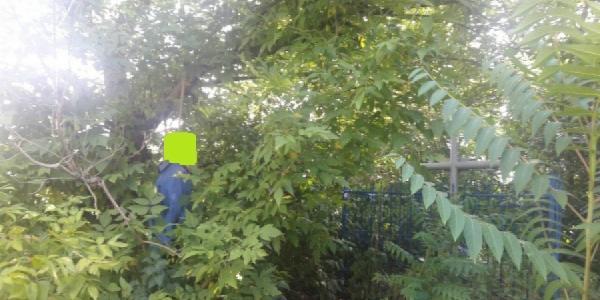 Кременчугский пенсионер решил не лечится и повесился за больницей
