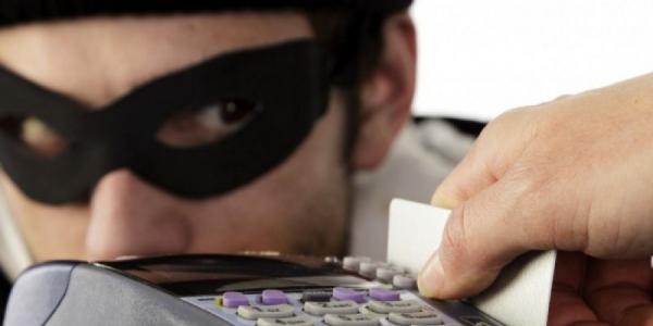 Украинцы не будут отвечать за кражу денег со своих карт – Visa