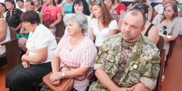 Жители Реевки жалуются на непроглядную тьму и разбитые дороги
