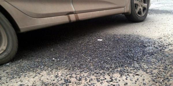 Вице-мэр Ярош запретил сыпать щебень в ямы на дорогах