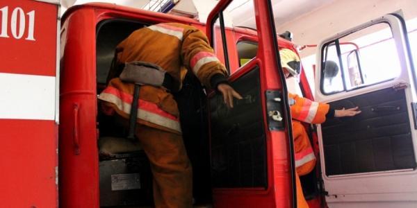 1 мая пожарные выезжали тушить огонь в контейнере