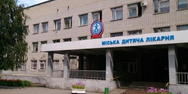В Кременчуге за минувшие сутки троих детей «скорая» доставила в детскую больницу