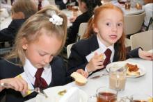 Школьников 1-4 классов в Кременчуге пока еще будут кормить бесплатно