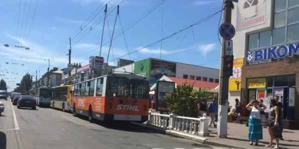 В центре Кременчуга произошёл обрыв контактной сети троллейбусов