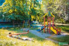 В 10 кременчугских дворах установят новые детские площадки