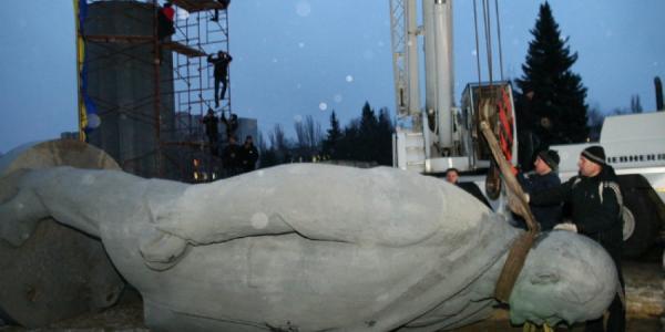 Полтавщина первая в Украине избавилась от всех памятников Ленину