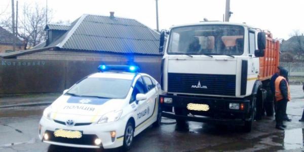 В Кременчуге произошло ДТП с участием автомобиля патрульных (фото)