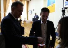 В Кременчуге на сессии больше 4 тысяч гривень депутаты сдали на благотворительность