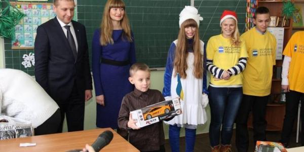 Мэр Малецкий показал кременчужанам «первую леди» города