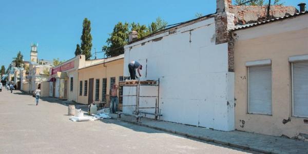 Граффити Кобзаря в Кременчуге рисуют заново