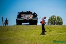 Фотофакт: как в Кременчуге стригут зелень