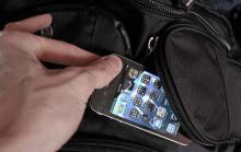 """За покупки в магазине эконом-класса кременчужанка """"рассчиталась"""" IPhone4"""