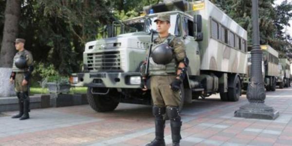 Новые КрАЗы поедут в Киев на военный парад