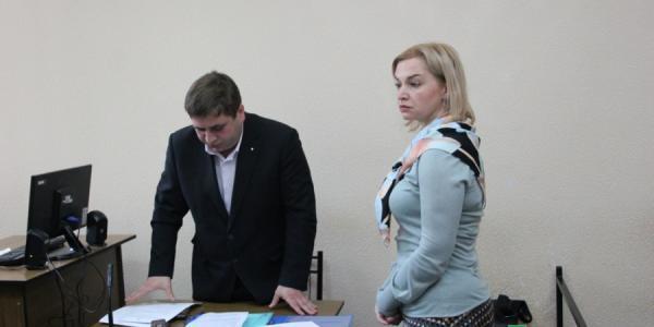 В деле директора гимназии №5 суд требует опросить начальника управления образования