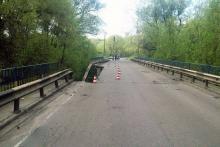 Возле разрушенного моста на Суле хотят построить низководный мост
