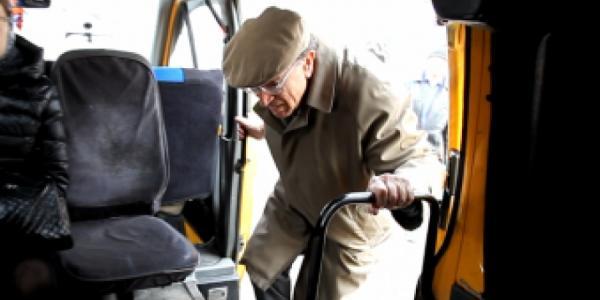 В День Победы нерадивый водитель отказался везти в маршрутке ветерана