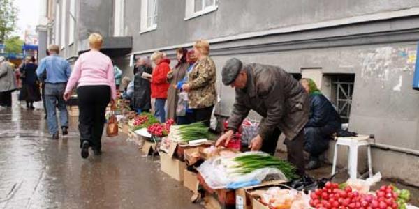 Борьба с незаконной торговлей в Кременчуге продолжается