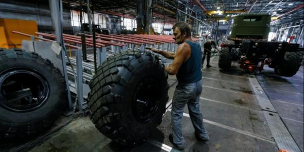 Reuters побывал за кулисами АвтоКрАЗа