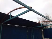 На остановке «Улица Ковалева» сорвало крышу