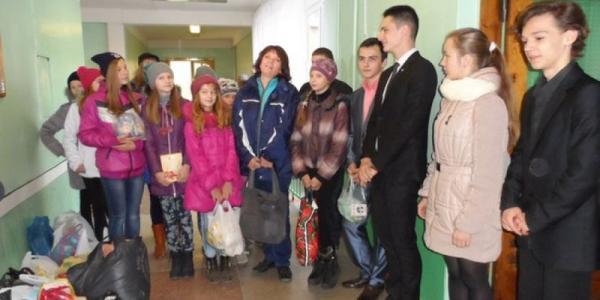Ученики кременчугских школ помогли бездомным животным