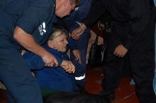 Медики попали к старушке благодаря спасателям