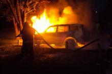 В Ракитном авто въехало в дерево и загорелось