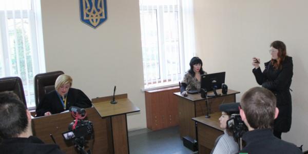 Следуя примеру мужа, Зинаида Проценко также не явилась в суд