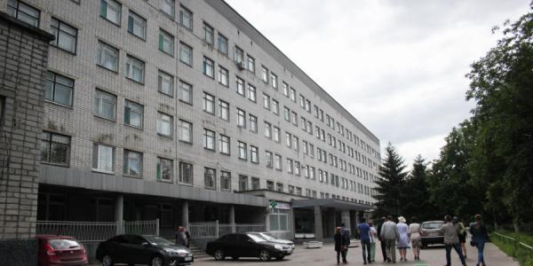 Территорию детской больницы хотят закрыть для прохода посторонних