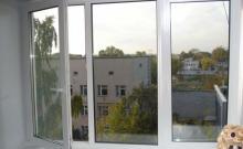 В Комсомольске из окна пятого этажа выпала 22-летняя девушка