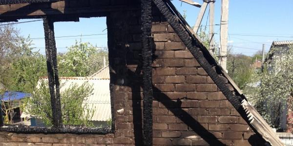 Под Кременчугом в доме полностью сгорела крыша
