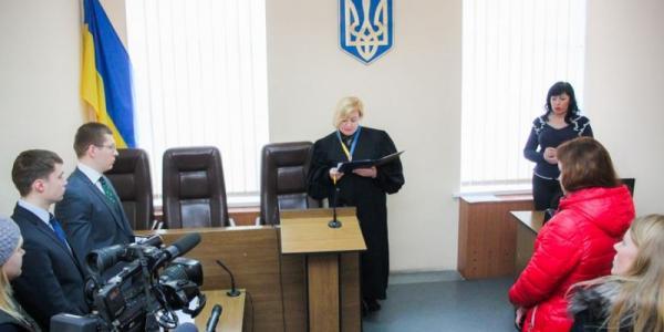Суд по коррупции жены вице-мэра Кременчуга Проценко перенесен из-за ее болезни