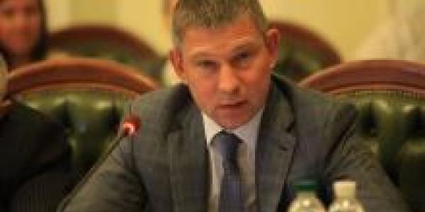 Нардеп Шаповалов «сдал кросс» в коридорах Верховной Рады