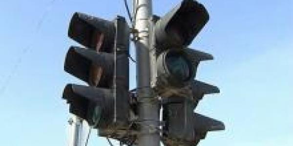 На оживленном перекрестке не работает светофор