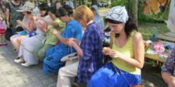 Фестиваль «Вяжем вместе» отменен из-за ненастья