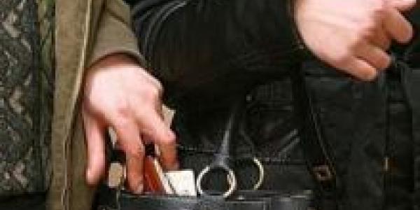 Кременчужане за сутки «подарили» злоумышленникам три мобильных телефона