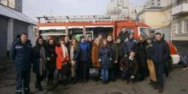 Городские пожарники принимали в гостях студентов